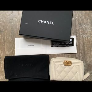 Chanel boy card colder coin purse quilted caviar